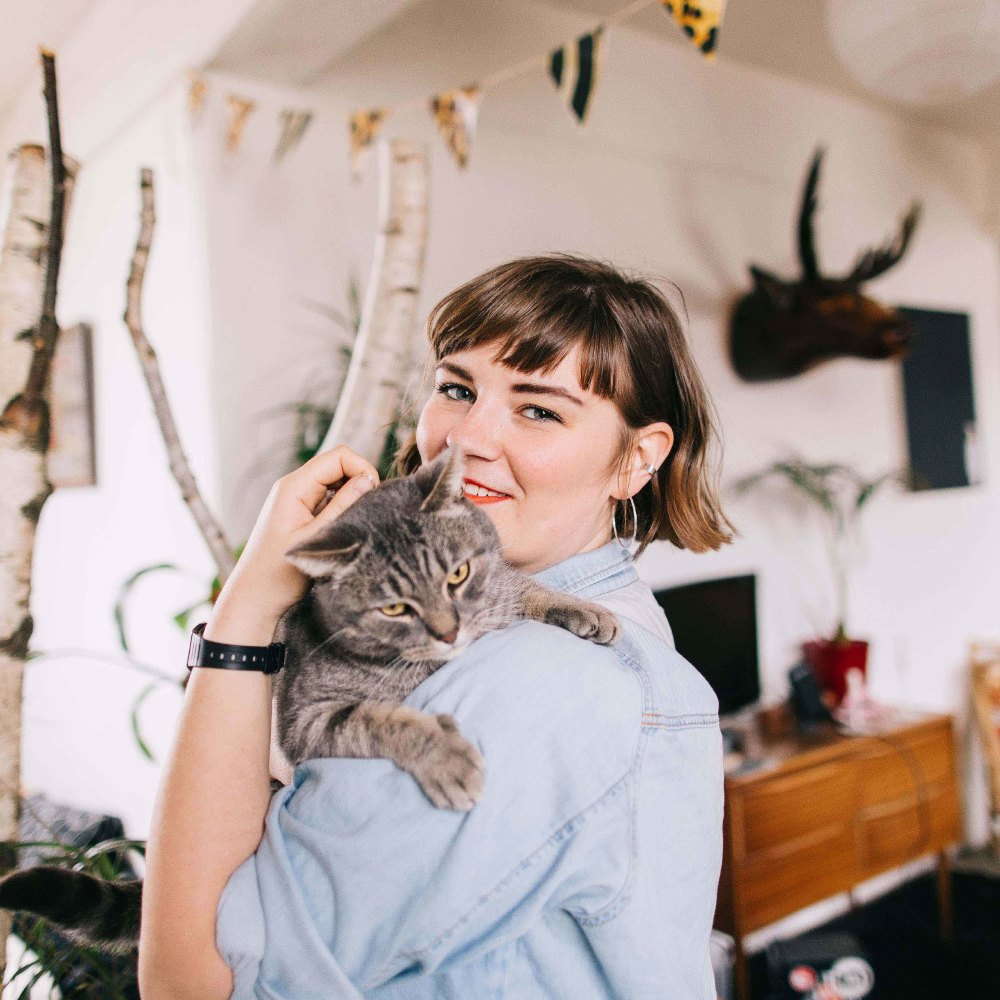 dating a cat lady